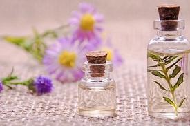 Ätherische Öle und Massageöle